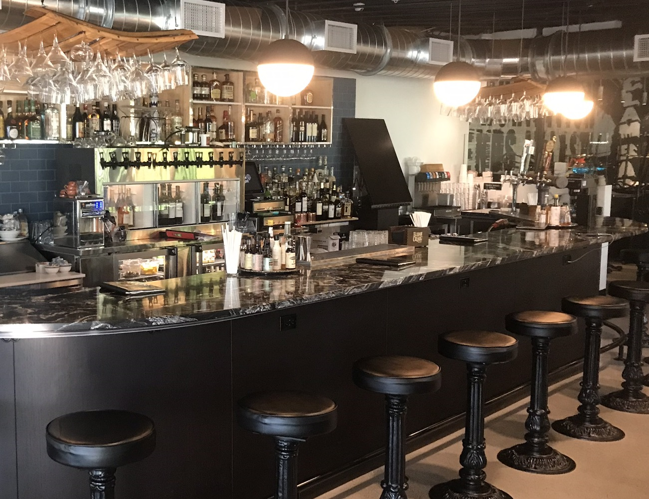 Speaks Clam Bar (Sarasota) – Custom Tower and Wine on Tap